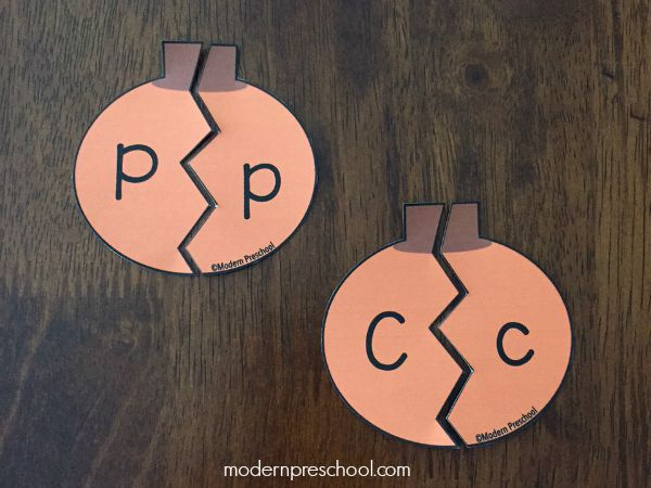 FREE printable pumpkin alphabet letter puzzles for preschool & kindergarten!