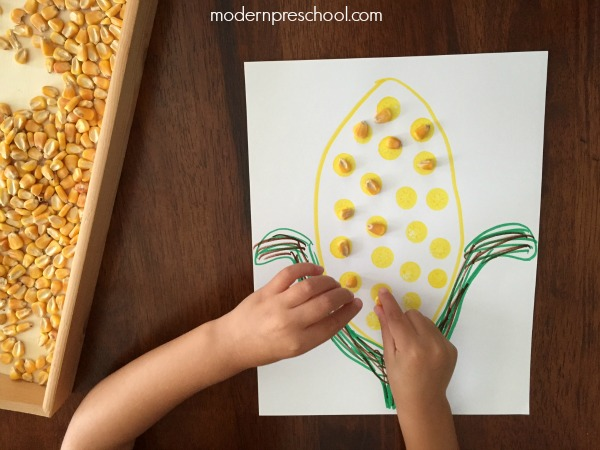 Fall corn cob counting activity for preschoolers and toddlers from Modern Preschool