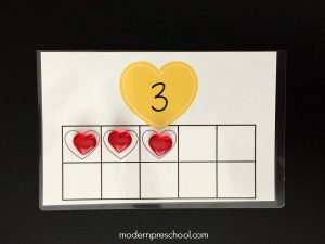 Counting Hearts Busy Bag {free printable!}