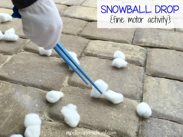 Winter (cotton ball) snowball drop fine motor busy bag for toddlers & preschoolers with simple materials to practice counting and fine motor skills.