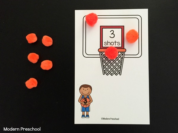 March Madness fans? These FREE printable basketball shots counting mats (1-12) are perfect to practice counting, number recognition, one to one correspondence for toddlers and preschoolers!