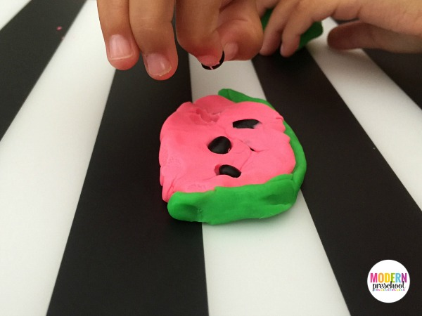 watermelon-fine-motor-seed-hunt-activity-3