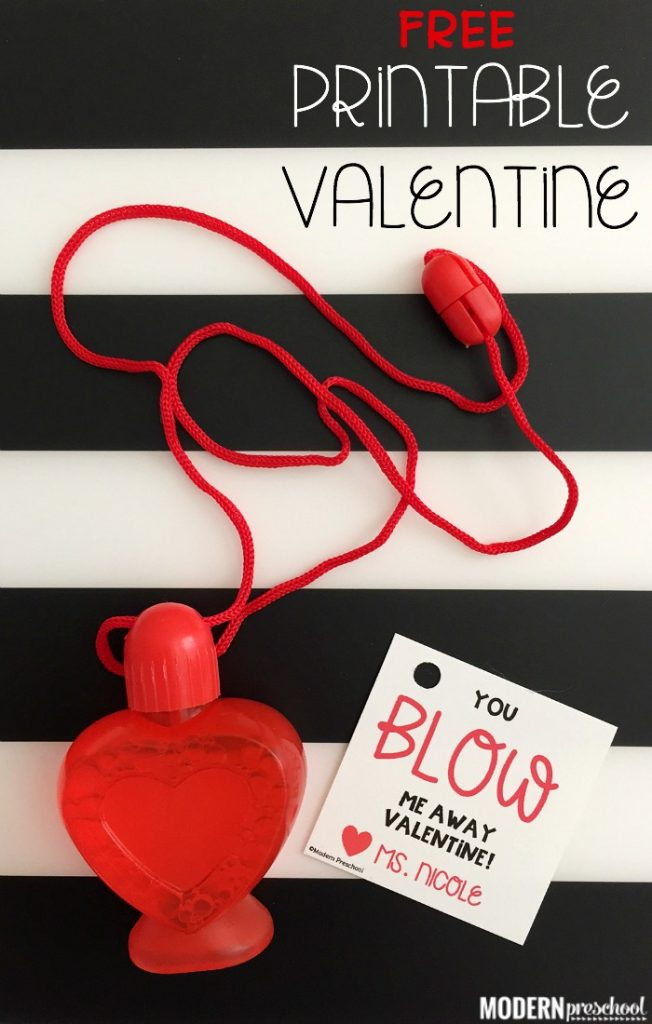 FREE printable bubbles valentines for kids! Easy to put together to use with any sized bubbles. No candy valentine for teachers and kids to give!