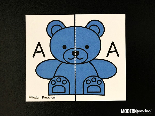 Use your bear counters with this FREE printable uppercase letter counting bears alphabet match. Perfect beginning letter recognition activity for pre-k!