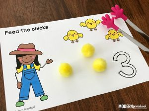 FREE printable farm counting mats 1-20 to practice number recognition and formation, 1:1 correspondence, AND fine motor skills while feeding the chicks!