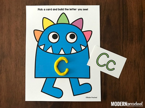 FREE printable monster alphabet play dough mats for preschoolers and kindergarteners to work on uppercase and lowercase recognition and letter formation!