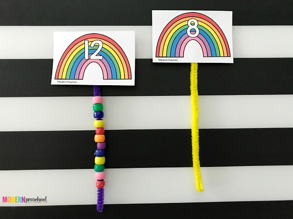 FREE printable rainbow counting beads busy bag math activity for preschoolers and kindergarteners to practice 1:1 correspondence, counting, number recognition, fine motor skills during the spring or for St. Patricks Day in your classroom or at home! Use during quiet time or morning welcome work.