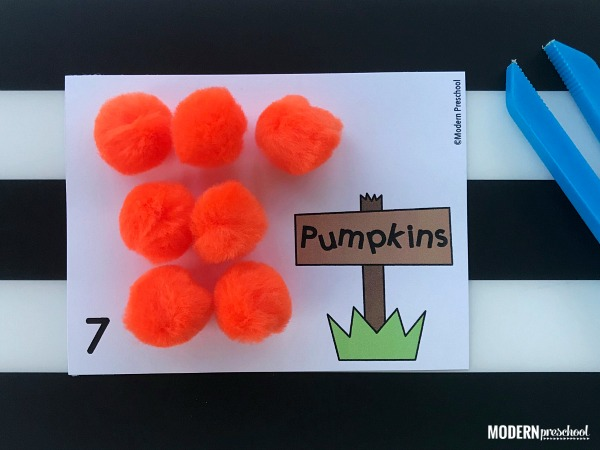 FREE pumpkin patch counting cards 1-12 busy bin for preschool, pre-k, kindergarten to practice number, math, fine motor, in the classroom & homeschool!